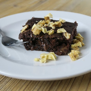 Super Moist Chocolate Brownies (With a Secret Ingredient!).