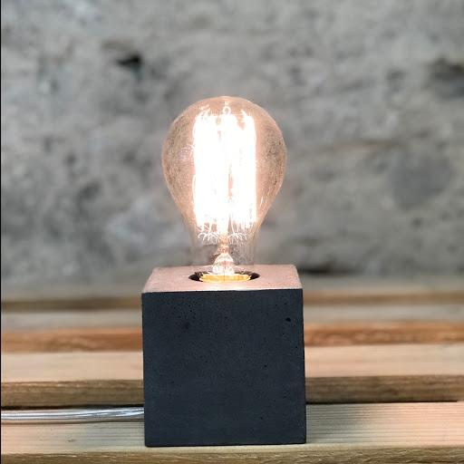 Lampe cube béton noir