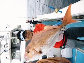 Photo: キャイーン! 連続で真鯛ゲット! 3kgぐらいですな! あっぱれ!