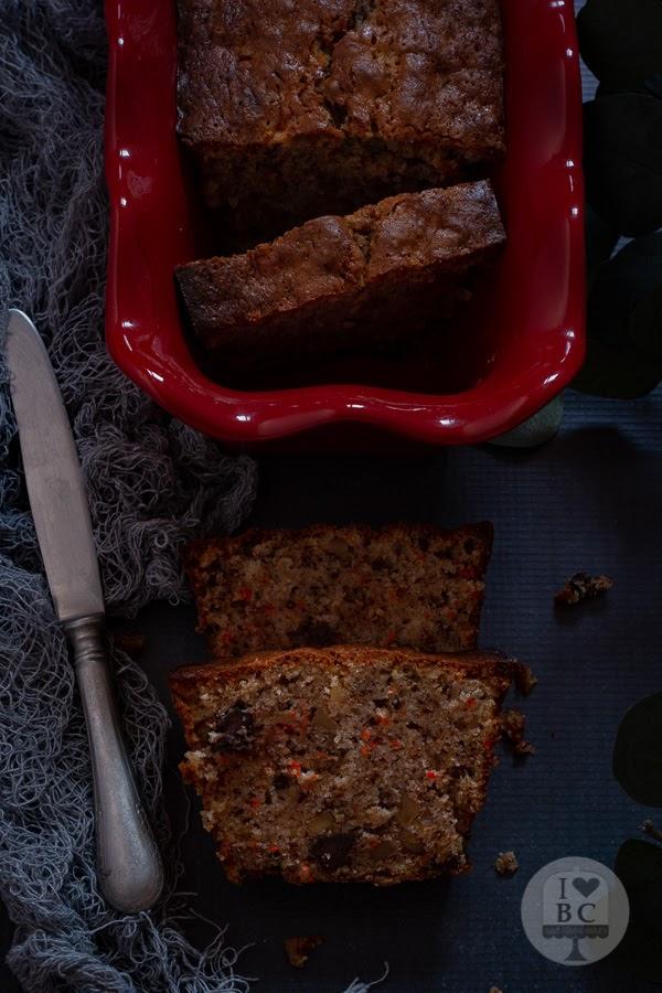 Plum cake de zanahoria y nueces, jugoso y húmedo