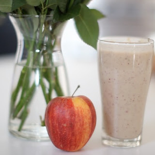 The Yoga Apple Pie Smoothie