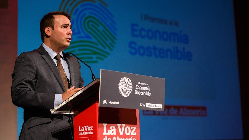 El diputado de Presidencia, Fernando Giménez, durante su intervención.
