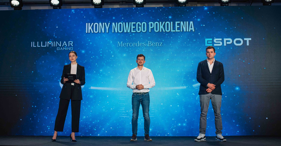 The officials of Illuminar, Mercedes Benz, and ESPOT standing on the stage of the announcement ceremony