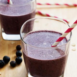 Blueberry Crisp Breakfast Smoothie.