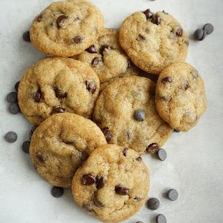 Mini Vegan Chocolate Chip Cookies