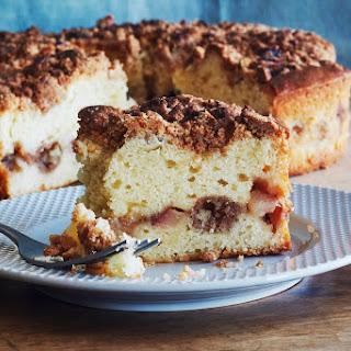Pear and Cinnamon Crumb Cake Recipe