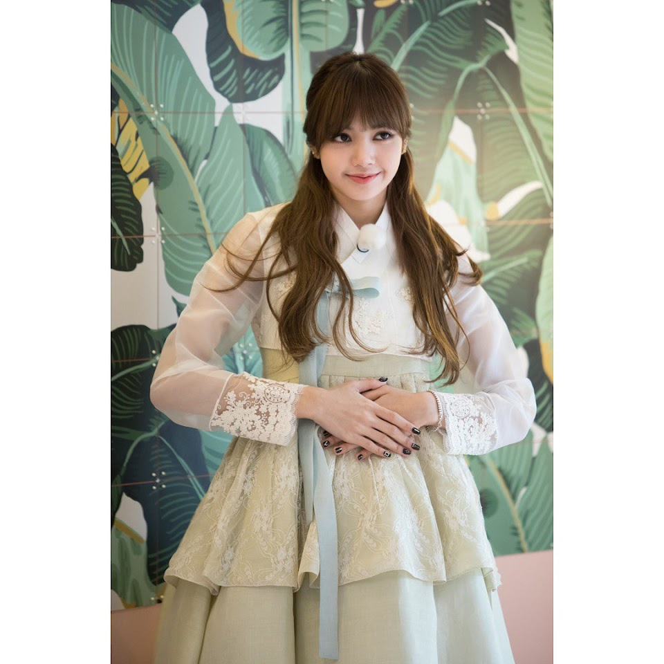 lisa hanbok