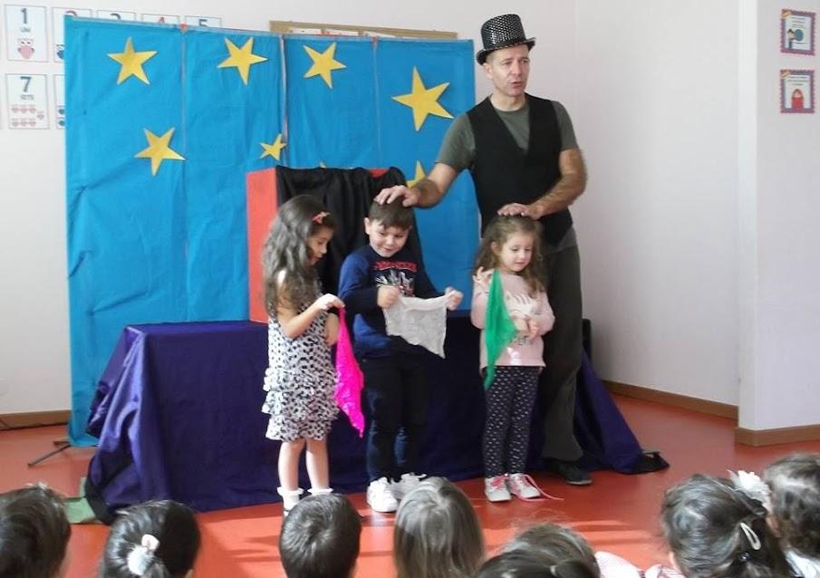 Marionetas e magia deslumbram crianças da Misericórdia de Lamego