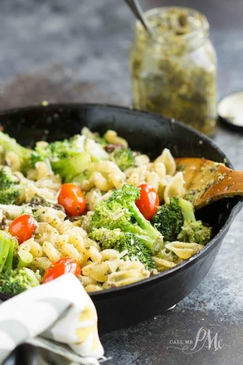 """20 Minute Stovetop Sun Dried Tomato Broccoli Pesto Pasta """"Full of flavor,..."""