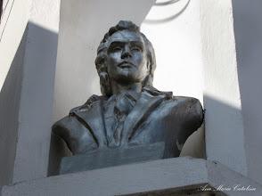 Photo: Bustul lui Mihai Eminescu - (2011.04.04)
