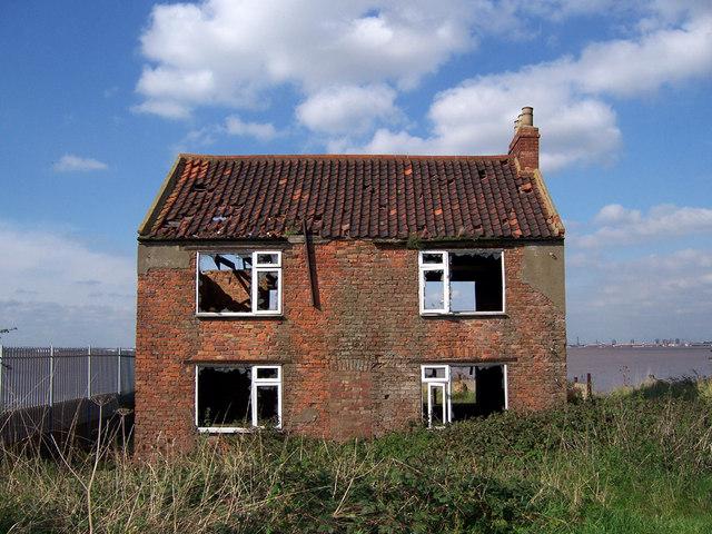 derilict house.jpg
