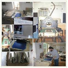 Photo: Lithographiepresse (Steindruckpresse) Druckformat 55cm x 70cm Steine unterschiedlichster Größen / nella casa la litografia