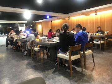【幕間一鍋】炙燒肉品、金箔清酒火鍋專賣