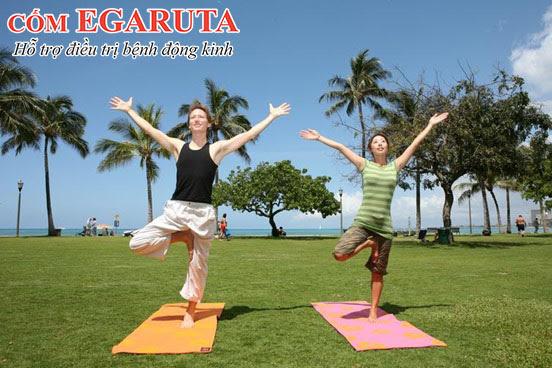 Tắm nắng sớm, tập thể dục giúp bổ sung vitamin D