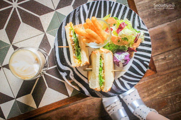 | Dine in Cafe.巷弄的浪漫城堡咖啡廳@捷運中山站