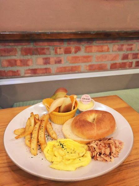 波米咖啡館~好吃的貝果麵包與歐姆蛋捲早午餐