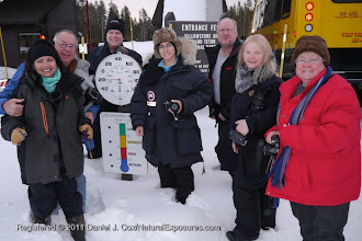 Photo: Our group stops to pose next to the thermometer at the entrance of Yellowstone National Park, Wyoming