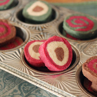Gluten-Free & Naturally Dyed Holiday Shortbread Cookies.