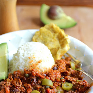 Picadillo Cubano (Cuban Ground Beef Dish)