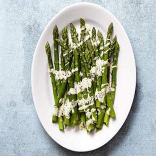 Asparagus with Easy Hollandaise Sauce