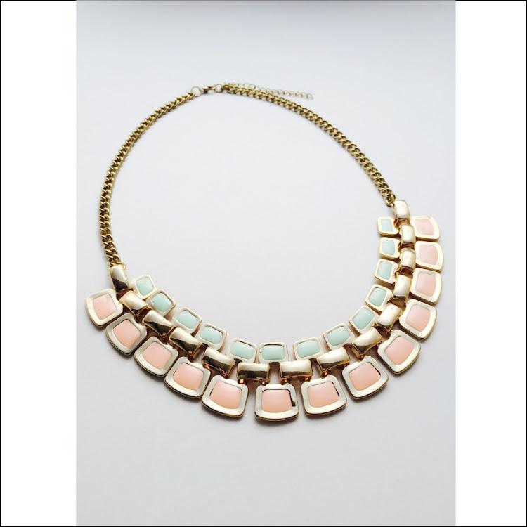 N001 - M. Macaron Palette Necklace