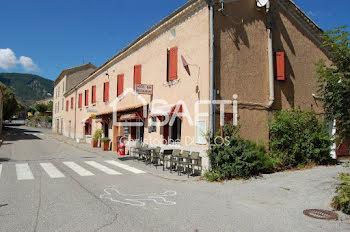 locaux professionels à Les Omergues (04)