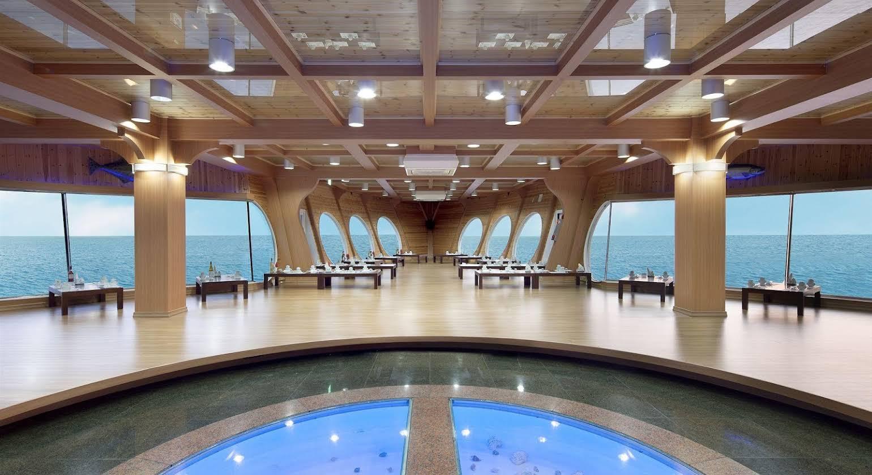 Sun Cruise Resort and Yacht