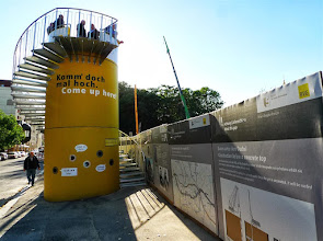 Photo: Veloform Media bboxxTurm for BVG construction site info point