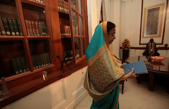 Photo: President Pratibha Patil  at  the Rashtrapati  Bhawan library Room. Indian Express Photo.