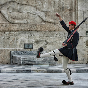Evzones Athens by Marko Dragović - People Professional People ( soldier, guard, street, greece, athens, monument, people )