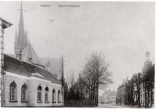 Photo: Links de lagere school d' Ouwe Kaste, de Sint Martinuskerk en het raadhuis.
