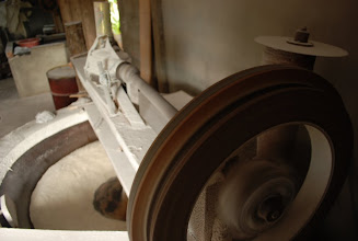 Photo: Forno adaptado a energia elétrica para manter a produção