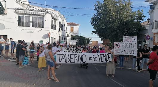 """""""Taberno no se vende"""": clamor vecinal contra la macrogranja de cerdos"""