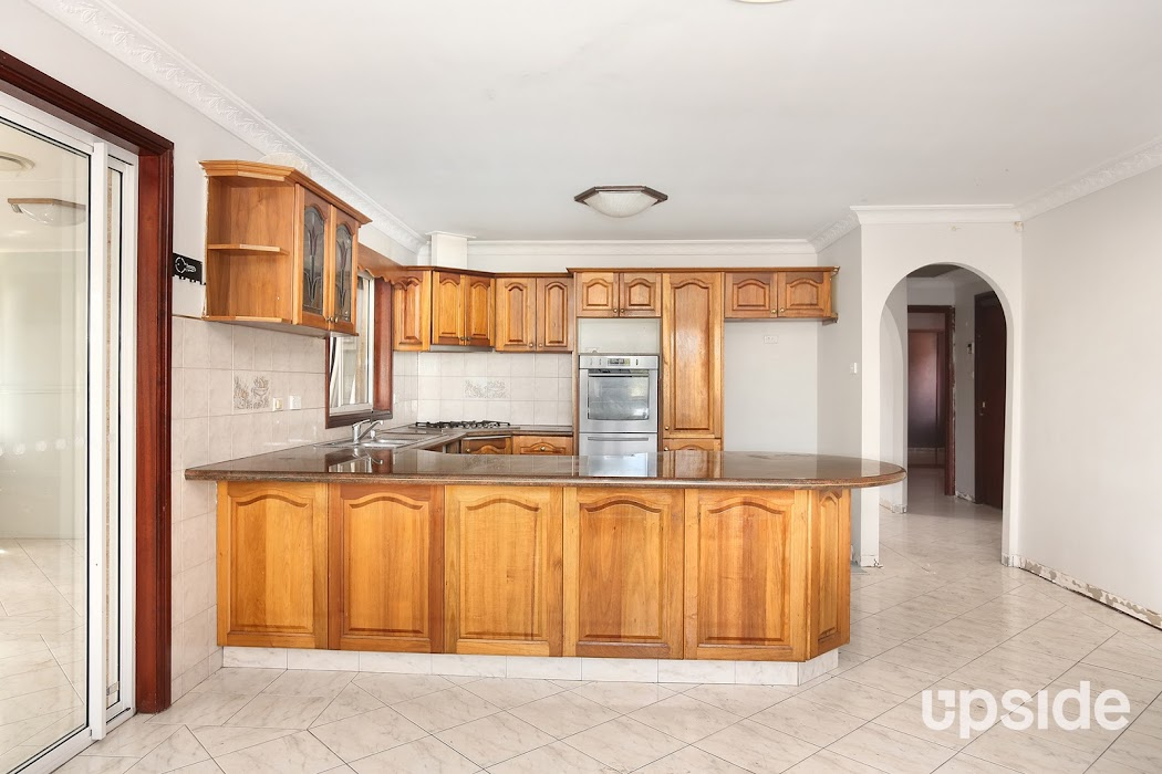 Main photo of property at 1/164 Lucas Road, Seven Hills 2147