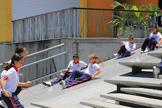 Photo: Students entertain themselves at the Parque Explora entrance