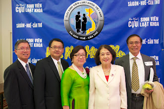 Photo: từ trái: anh Hà Kim Tinh – Nguyễn Vạn Bình – Mã Phương Liễu – GS Quách Thị Nho và phu quân Ông Nguyễn Hữu Trương