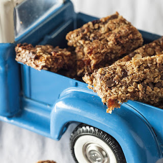 Apricot and Chocolate Granola Bars