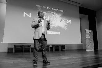 """Photo: 10 am. Iñako inaugura el evento con un discurso titulado """"El rayo de mirada es una bobada""""."""