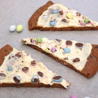 Easter Egg Cookie Pizza.