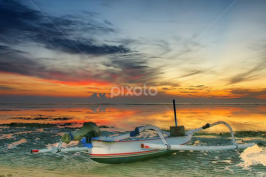 .:: lonely boat - 1 ::. by Setyawan B. Prasodjo - Landscapes Sunsets & Sunrises ( bali, reflection, red sky, bule sky, waterscape, golden sky, sanur, beach, seascape, landscape, boat, dusk, early morning, sunset, sunrise, catamaran )