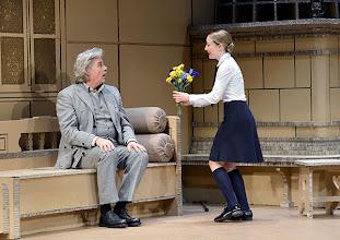 Photo: DAS KONZERT von Herrmann Bahr. Wiener Akademietheater - Premiere 7.2.2015. Inszenierung: Felix Prader. Peter Simonischek, Alina Fritsch. Copyright: Barbara Zeininger