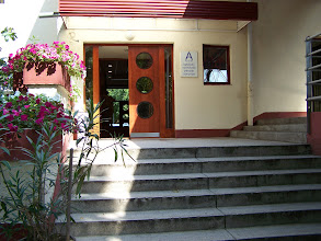 Photo: udvari bejárat