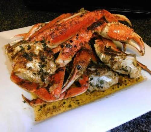 """Shell Lickin' Spicy Garlic Crabs """"These crabs look AMAZING! I'm going to..."""