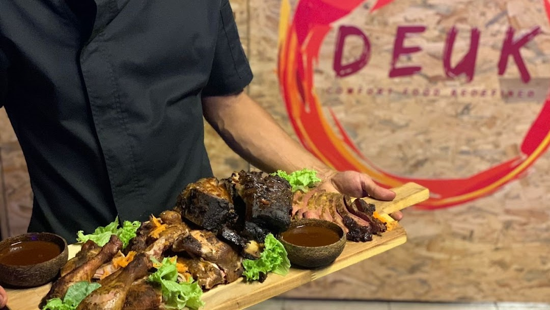 Deuk Kitchen Smokehouse Cafe In Kampung Morten Melaka