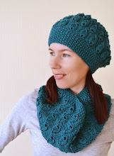Photo: вязаный комплект шапка и шарф-воротник Изумруд