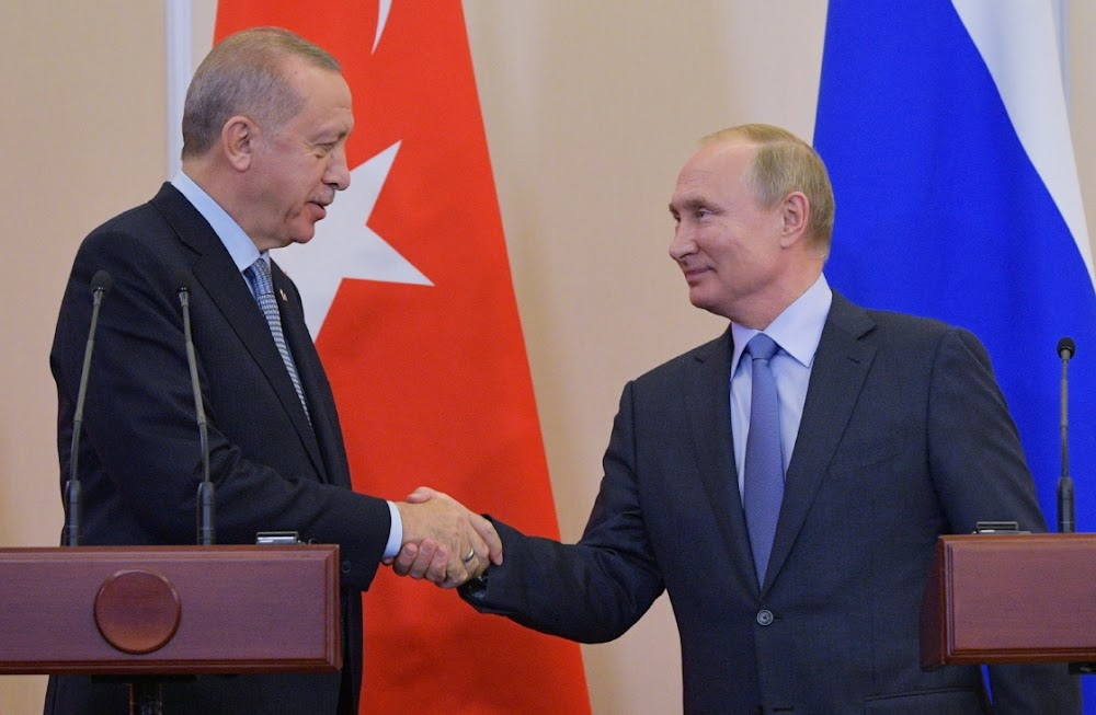 Russia and Turkey strike deal on Syrian 'buffer zone'