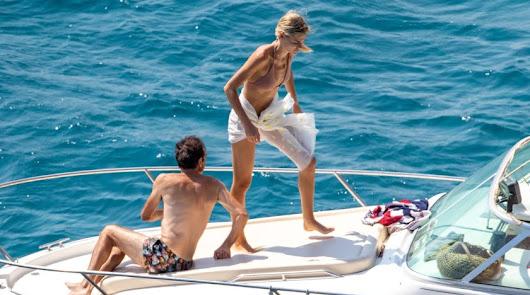 Ana Soria y Enrique Ponce disfrutan de su amor en las playas de Almería