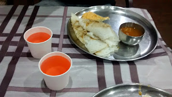 Red and warm water, as served in Kerala