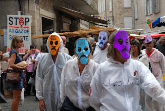Photo: Chaîne musicale Stop au Gaz de Schiste sur le marché des Vans, samedi 3 septembre 2011 - © Olivier Sébart