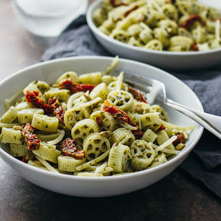 Pesto Pasta Salad With Sun-dried Tomatoes